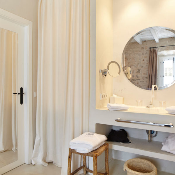 Baño Habitación Hotel Torre del Canónigo Ibiza