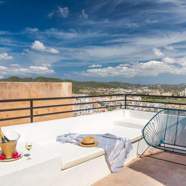 hotel_la_torre_del_canonigo_habitacion_familiar_deluxe_5